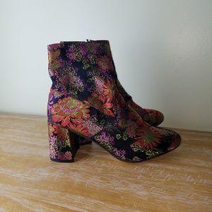 Steve Madden Sania-v embroidered boots